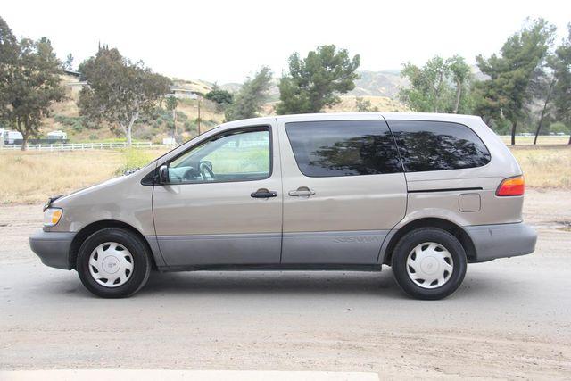 1999 Toyota Sienna CE Santa Clarita, CA 11