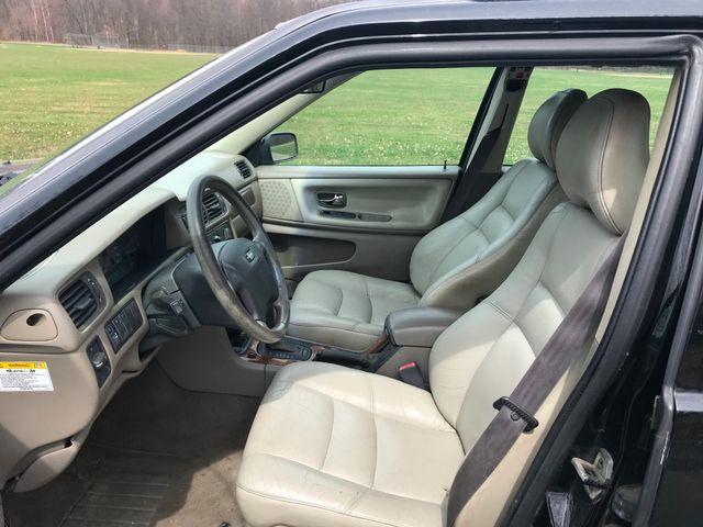 1999 Volvo V70 XC Ravenna, Ohio 6