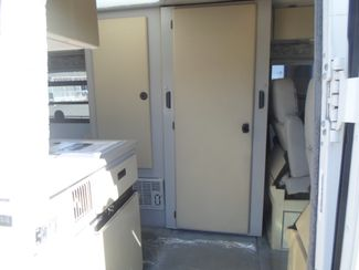 1999 Winnebago Rialta 22QD Salem, Oregon 4