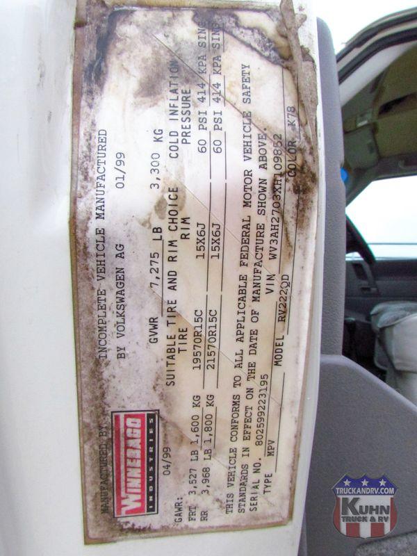1999 Winnebago Rialta 22QD  in Sherwood, Ohio