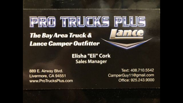 2000 Bigfoot Truck Camper 30C10.11FR Long bed, One owner, Onan Generator