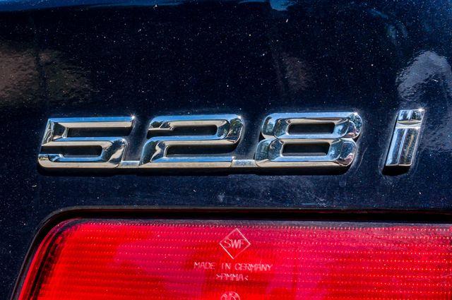 2000 BMW 528i 528iAT Reseda, CA 44