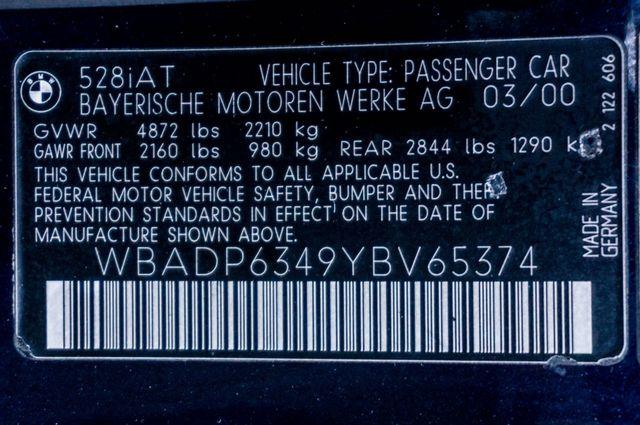2000 BMW 528i 528iAT Reseda, CA 38