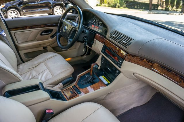2000 BMW 528i 528iAT Reseda, CA 32