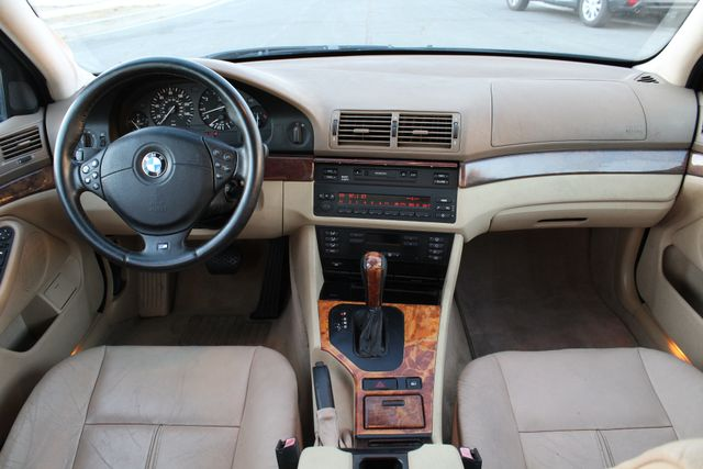 2000 BMW 528I SPORTS PKG LOW MLS XTRA CLEAN SERVICE RECORDS in Van Nuys, CA 91406