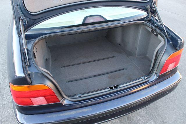 2000 BMW 528I SPORTS PKG LOW MLS XTRA CLEAN SERVICE RECORDS in Woodland Hills CA, 91367