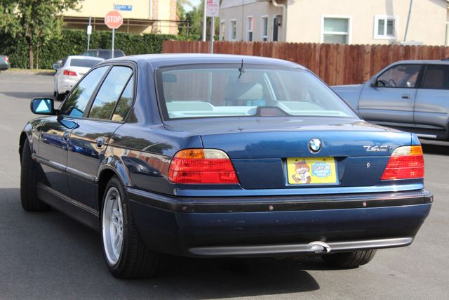 2000 BMW 740i SPORTS PKG XTRA CLEAN NEW TIRES NAVIGATION SERVICE RECORDS in Woodland Hills CA, 91367