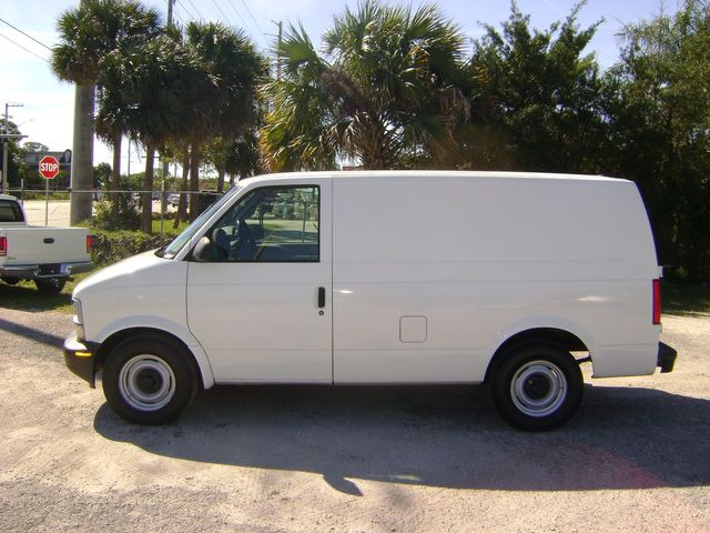 2000 Chevrolet Astro Cargo Van in Fort Pierce, FL 34982