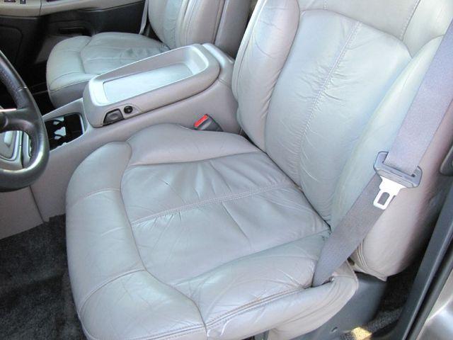 2000 Chevrolet New Tahoe LS in Medina OHIO, 44256