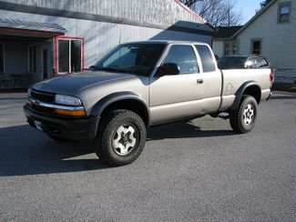 2000 Chevrolet S-10 LS w/ZR2 in Coal Valley, IL 61240