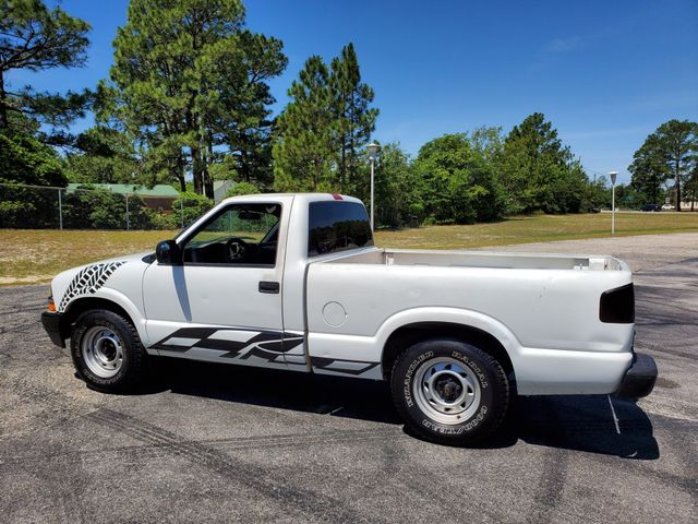 2000 Chevrolet S-10 LS in Hope Mills, NC 28348