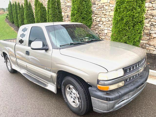 2000 Chevrolet-Ext Cab!! Cold Ac!! Vortec! Silverado 1500- LS