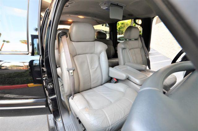 2000 Chevrolet Suburban LT in Reseda, CA, CA 91335