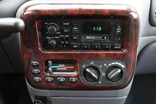2000 Chrysler Town & Country LX Santa Clarita, CA 19