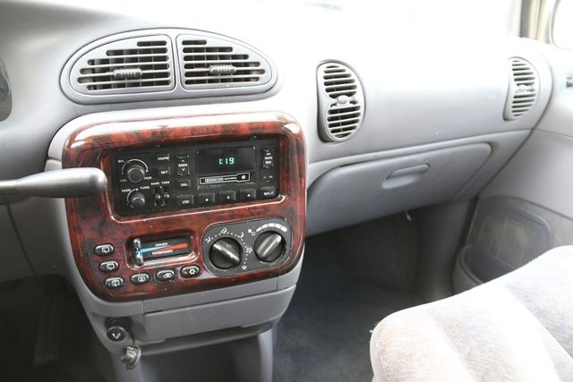 2000 Chrysler Town & Country LX Santa Clarita, CA 18