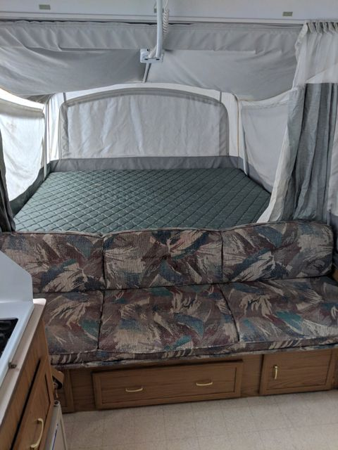 2000 Coleman Sea Pine Grand Touring Series Mandan, North Dakota 4