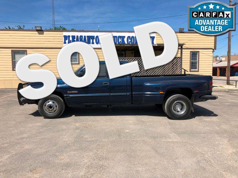 2000 Dodge Ram 3500  | Pleasanton, TX | Pleasanton Truck Company in Pleasanton TX