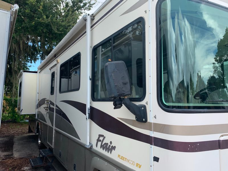 2000 Fleetwood Flair 2 slide outs   city FL  Manatee RV  in Palmetto, FL