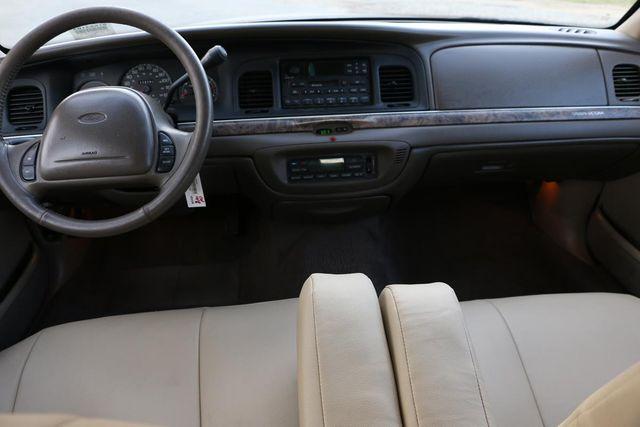 2000 Ford Crown Victoria LX Santa Clarita, CA 7