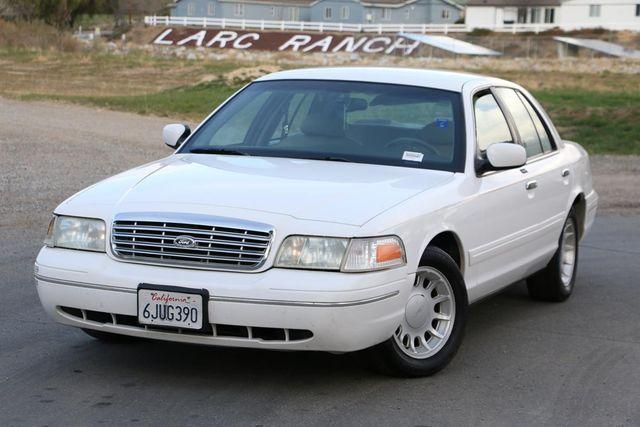 2000 Ford Crown Victoria LX Santa Clarita, CA 4