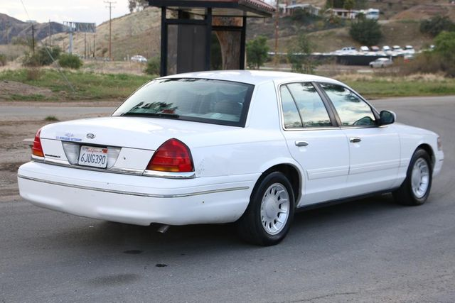 2000 Ford Crown Victoria LX Santa Clarita, CA 6