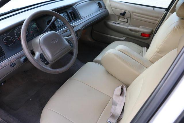 2000 Ford Crown Victoria LX Santa Clarita, CA 8