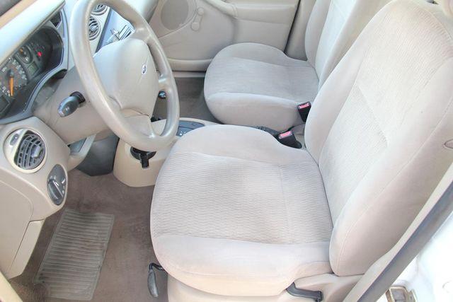 2000 Ford Focus SE Santa Clarita, CA 13