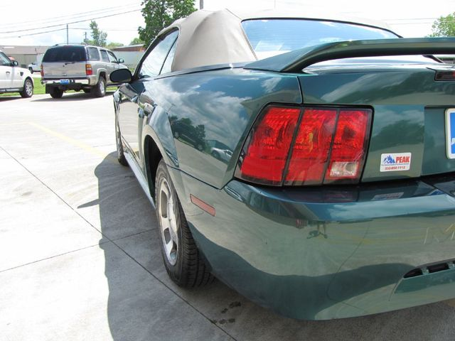 2000 Ford Mustang in Medina, OHIO 44256