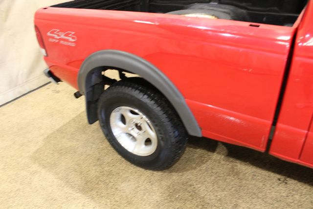 2000 Ford Ranger 4x4 Manual 5 speed XLT in Roscoe, IL 61073