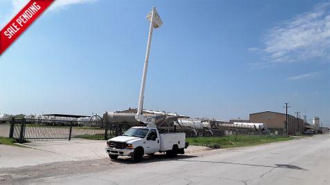2000 Ford Super Duty F-350 DRW XL BUCKET TRUCK in Fort Worth, TX
