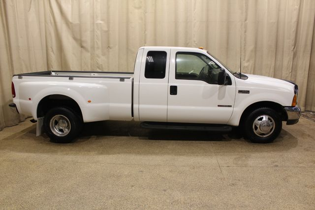 2000 Ford Super Duty F-350 Lariat Dually 2wd Diesel in Roscoe IL, 61073