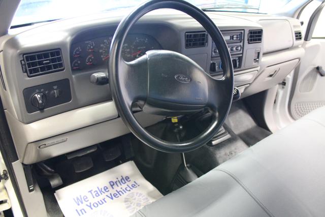 2000 Ford Super Duty F-350 SRW XL in IL, 61073