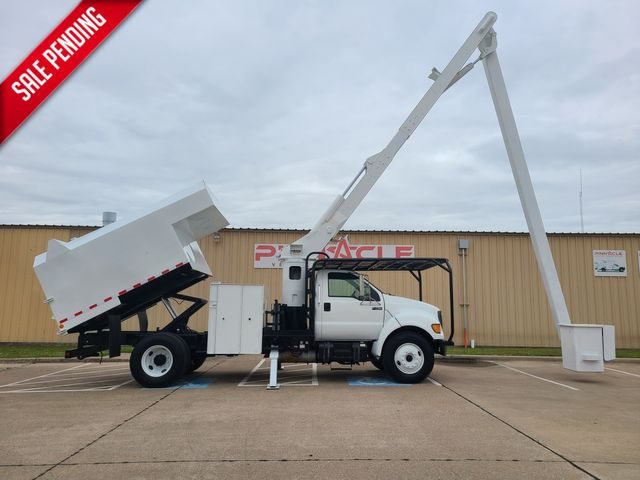 2000 Ford Super Duty F-750 FORESTRY BUCKET TRUCK 60' REACH CUMMINS DEISEL VERSALIFT V0255RV 60' in Irving, TX 75039