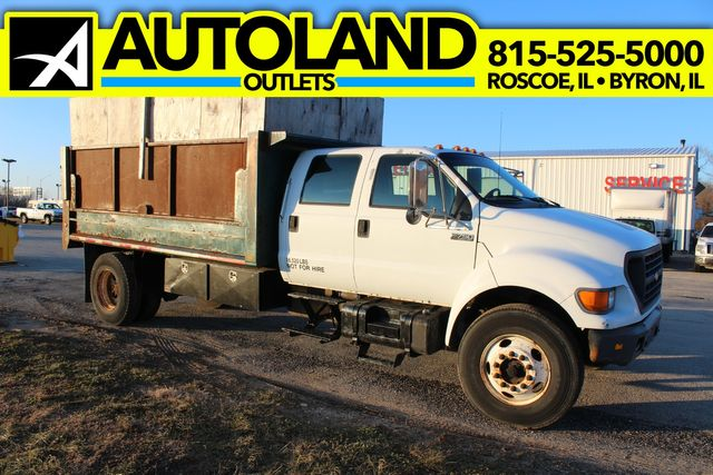 2000 Ford Super Duty F-750 XLT in Roscoe, IL 61073