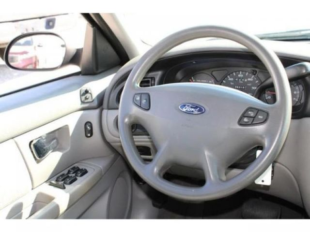 2000 Ford Taurus SE in St. Louis, MO 63043