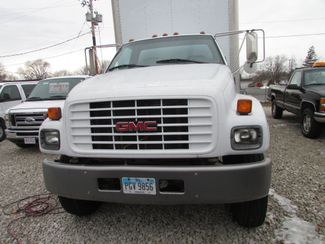 2000 GMC C6500 24 Foot Box Truck in Fremont, OH 43420