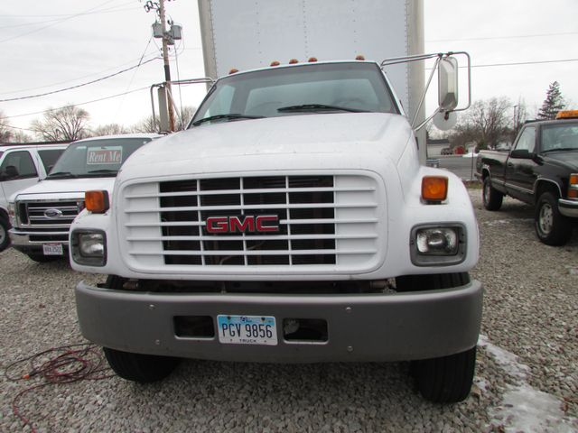 2000 GMC TC7H042 in Fremont, OH 43420