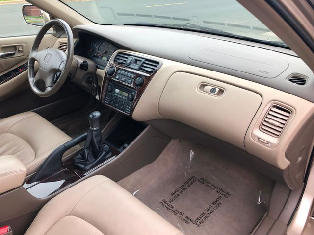 2000 Honda Accord EX w/Leather Maple Grove, Minnesota 7
