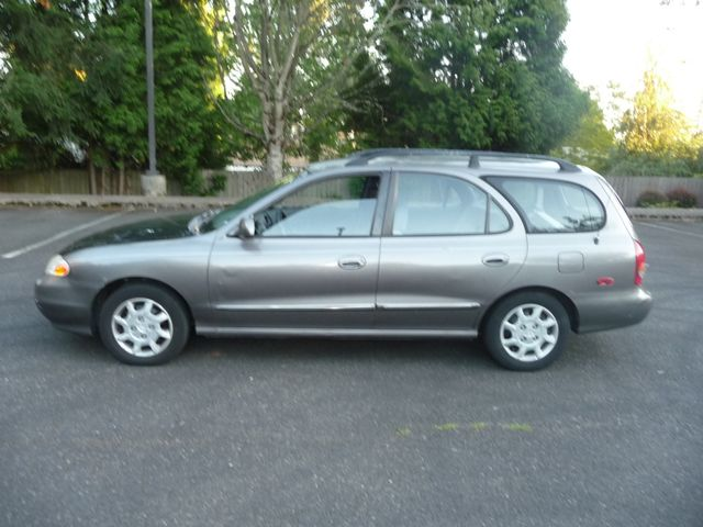2000 Hyundai Elantra GLS in Portland OR, 97230