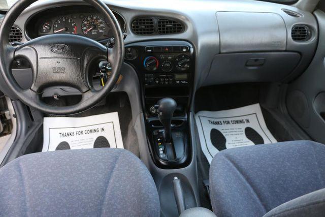 2000 Hyundai Elantra GLS Santa Clarita, CA 7