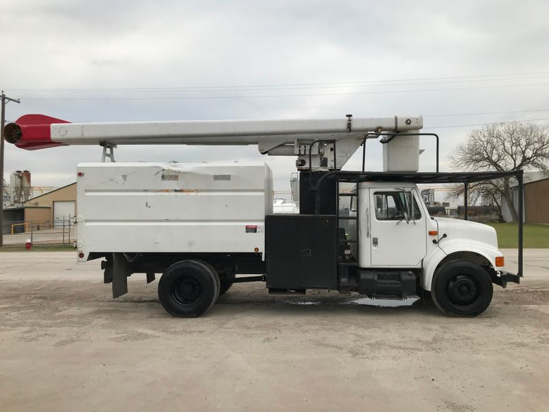 2000 International 4300 FORESTRY BUCKET TRUCK   city TX  North Texas Equipment  in Fort Worth, TX