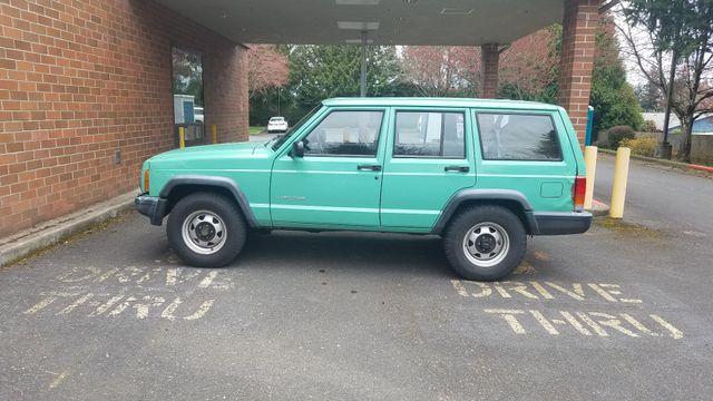 2000 Jeep Cherokee SE in Portland, OR 97230
