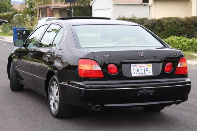 2000 Lexus GS 300 SEDAN AUTOMATIC SERVICE RECORDS NEW TIRES in Van Nuys, CA 91406