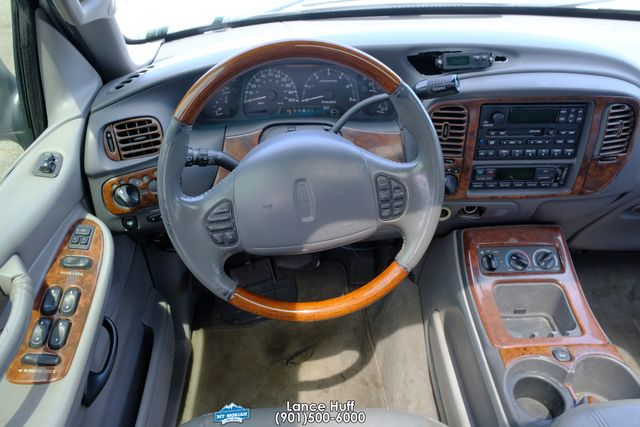 2000 Lincoln Navigator in Memphis, Tennessee 38115