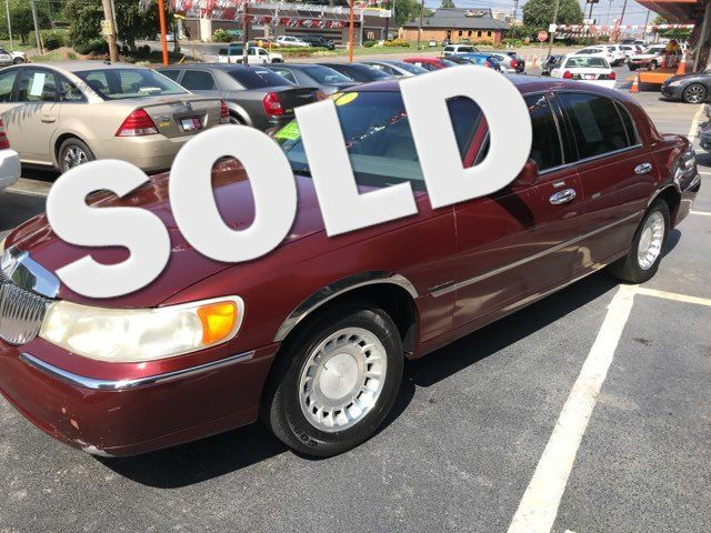 2000 Lincoln Town Car Executive Knoxville, Tennessee