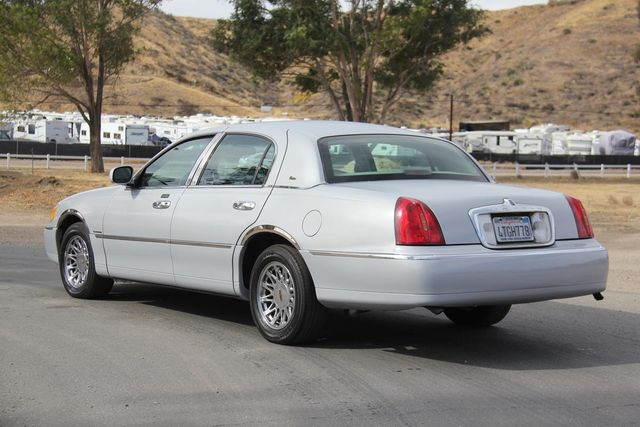 2000 Lincoln Town Car Cartier Santa Clarita, CA 5