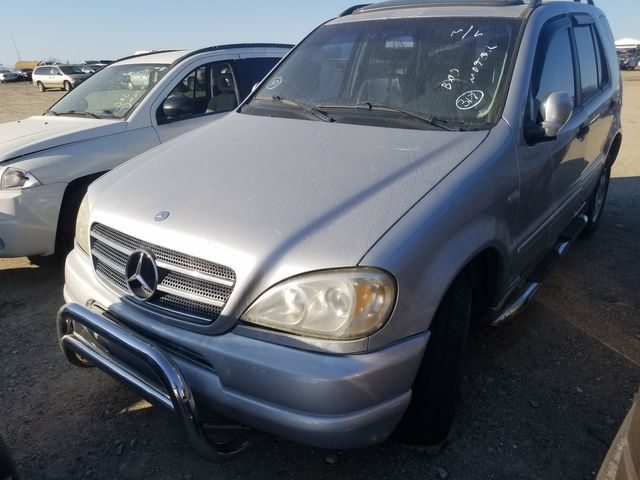 2000 Mercedes-Benz ML320