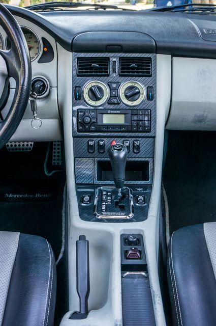 2000 Mercedes-Benz SLK230 Kompressor Reseda, CA 34