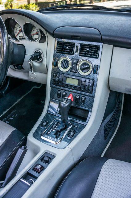 2000 Mercedes-Benz SLK230 Kompressor Reseda, CA 33