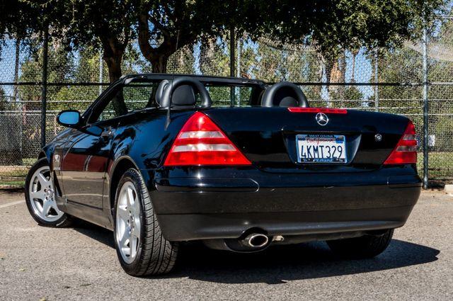 2000 Mercedes-Benz SLK230 Kompressor Reseda, CA 16
